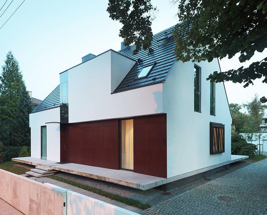 100 % domu Nowoczesne domy od KMA Kabarowski MIsiura Architekci Nowoczesny