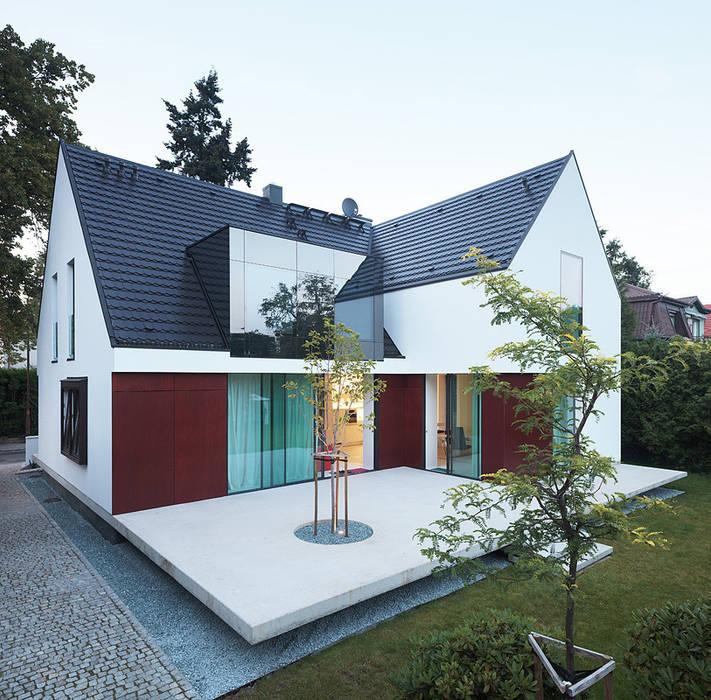 100 % domu: styl , w kategorii Domy zaprojektowany przez KMA Kabarowski MIsiura Architekci