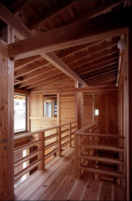 Casas de estilo ecléctico de HAN環境・建築設計事務所 Ecléctico Madera Acabado en madera