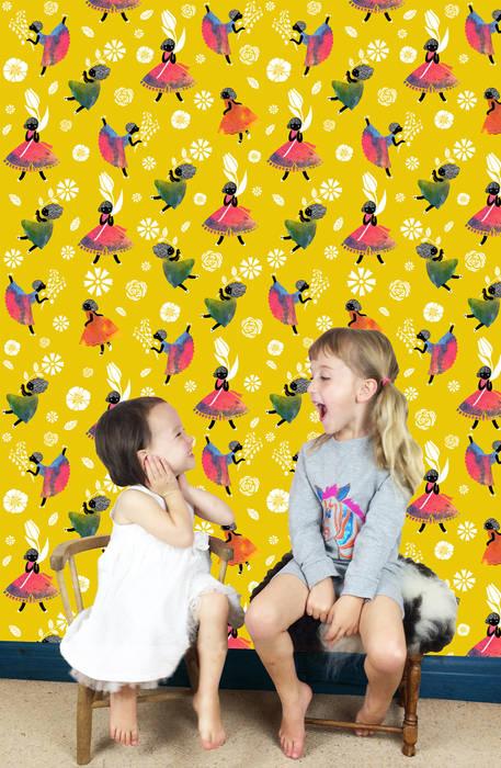 Flower Girls - Wallpaper - Yellow: modern  by Sas and Yosh, Modern