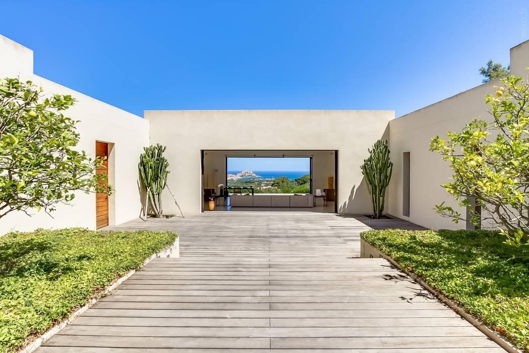 maison en corse jardin de style par meero homify. Black Bedroom Furniture Sets. Home Design Ideas