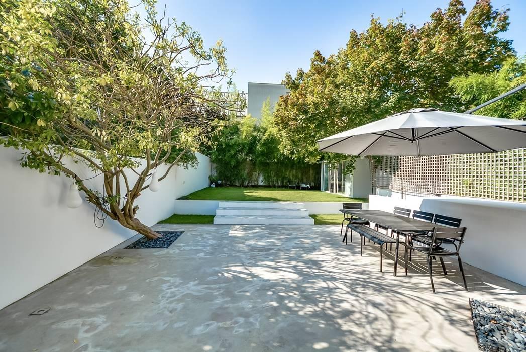 Garden by Meero, Modern