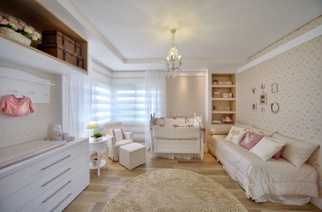 Nursery/kid's room by E3 ARQUITETURA,