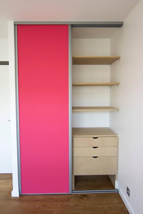 Placard: Chambre d'enfant de style de style Moderne par Anne Martins Design