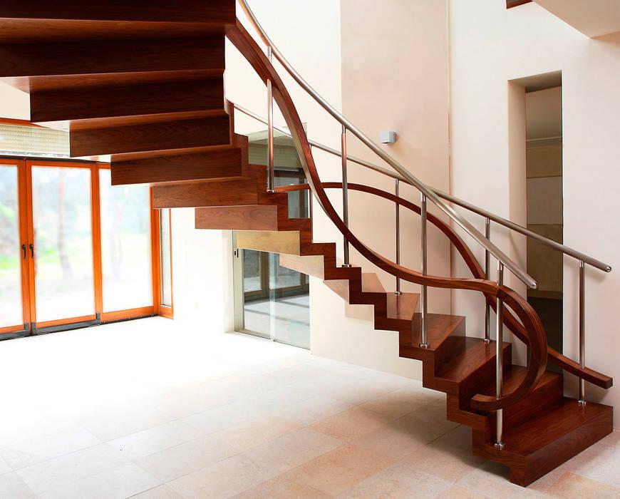 ST855 Schody nowoczesne dywanowe / ST855 Modern Zigzag Stairs Nowoczesny korytarz, przedpokój i schody od Trąbczyński Nowoczesny