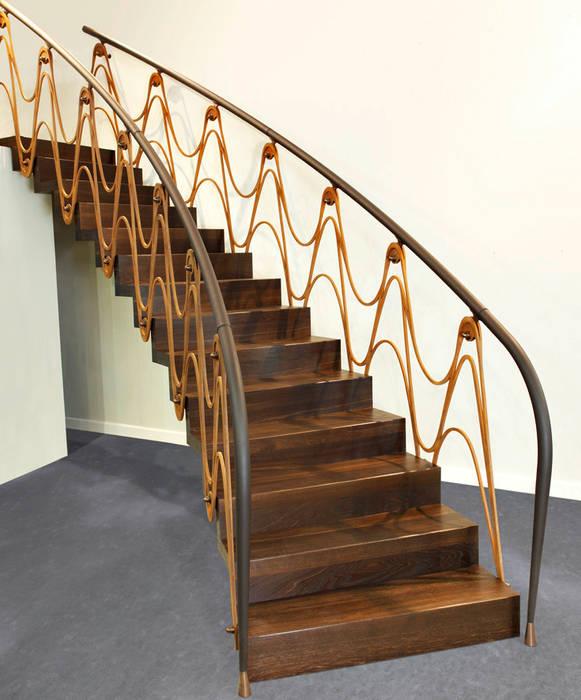 ST890 Schody nowoczesne dywanowe corten / ST890 Modern Floating Corten Steel Stairs Nowoczesny korytarz, przedpokój i schody od Trąbczyński Nowoczesny