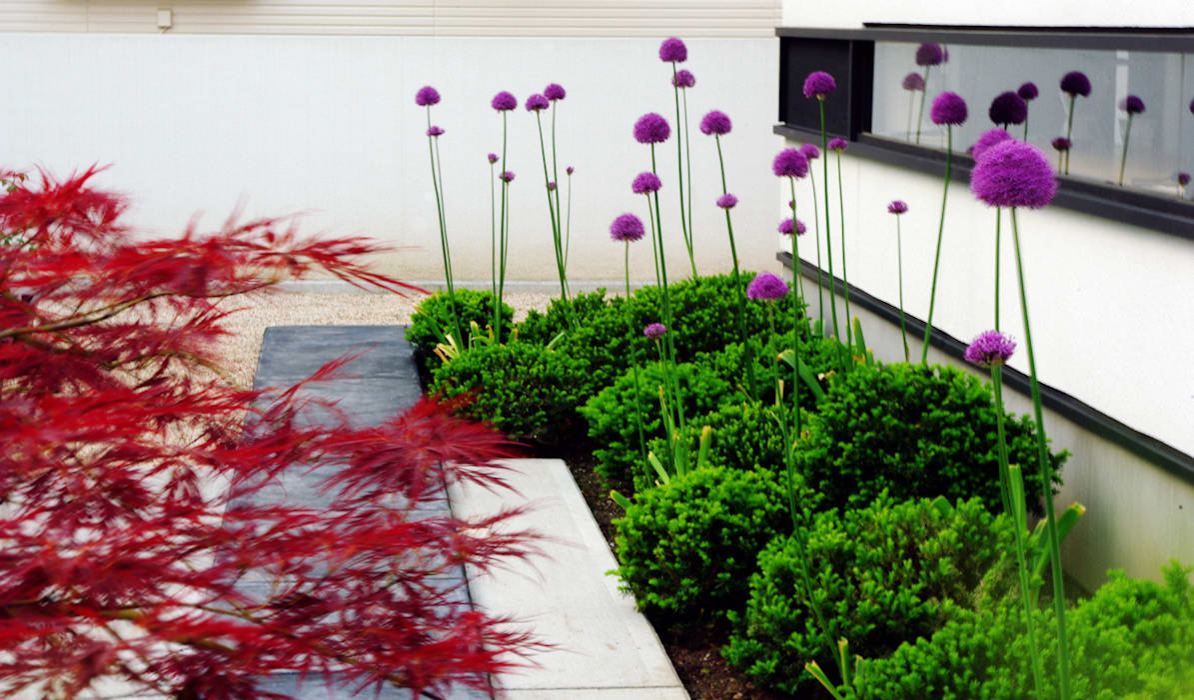 Modern style gardens by 山越健造デザインスタジオ Kenzo Yamakoshi Design Studio Modern