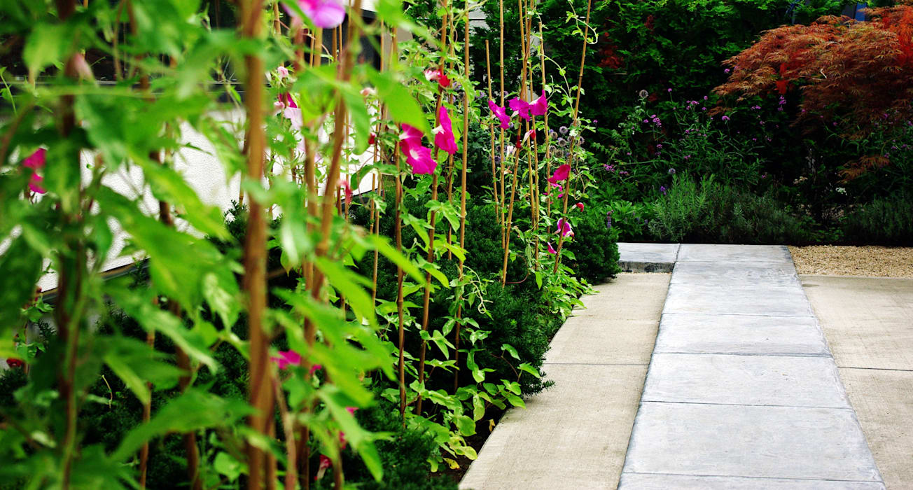 Jardines de estilo moderno de 山越健造デザインスタジオ Kenzo Yamakoshi Design Studio Moderno