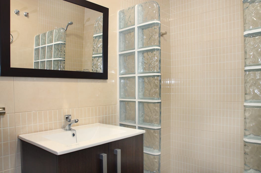 Baño Baños de estilo moderno de Mohedano Estudio de Arquitectura S.L.P. Moderno