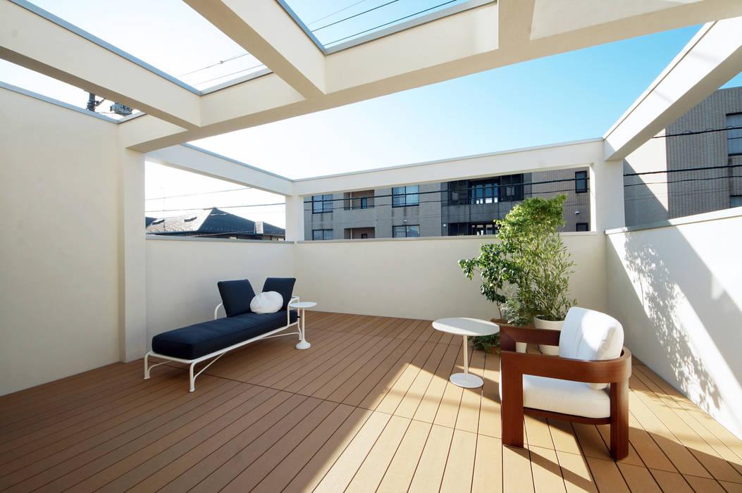 TERAJIMA ARCHITECTS/テラジマアーキテクツ Modern balcony, veranda & terrace