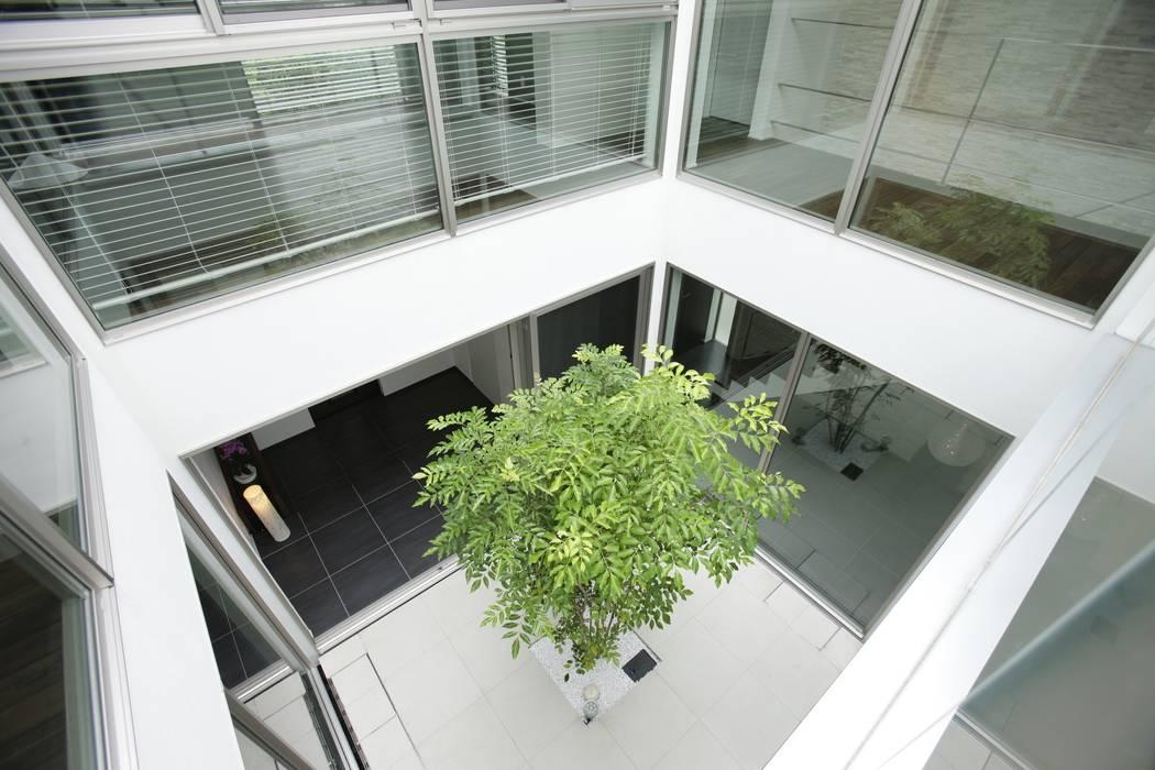Modern Terrace by TERAJIMA ARCHITECTS Modern