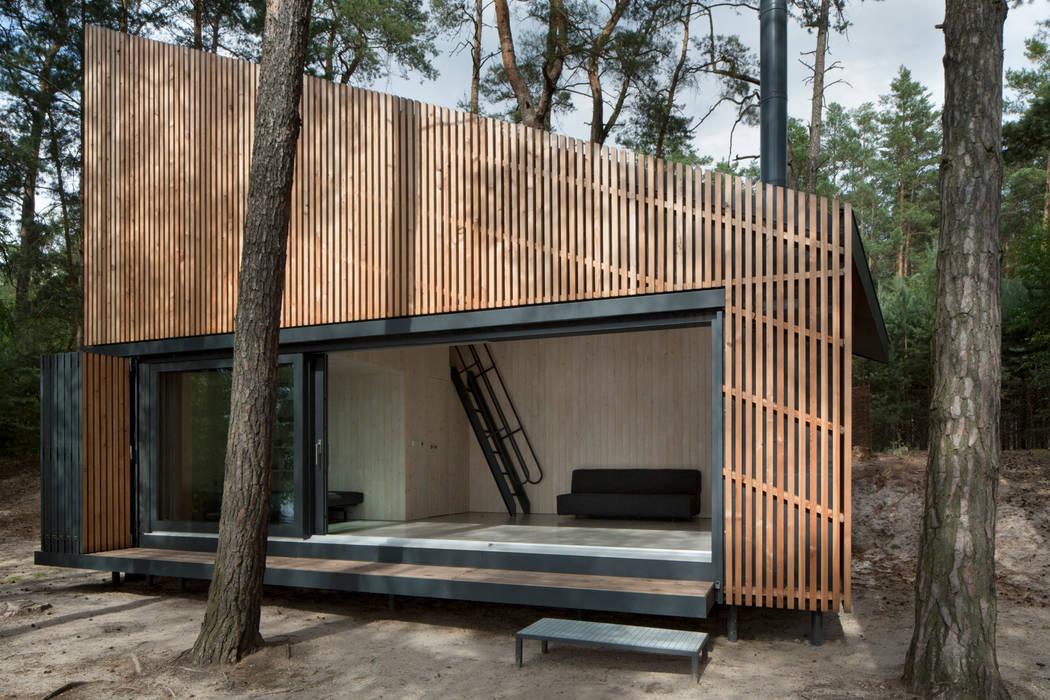 Lake Cabin bởi FAM Architekti Hiện đại