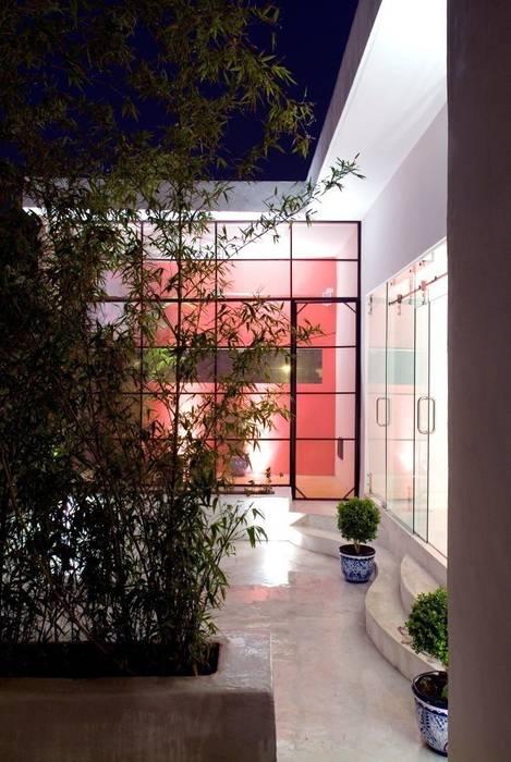Terraza Planta Alta Taller Estilo Arquitectura Balcones y terrazas eclécticos