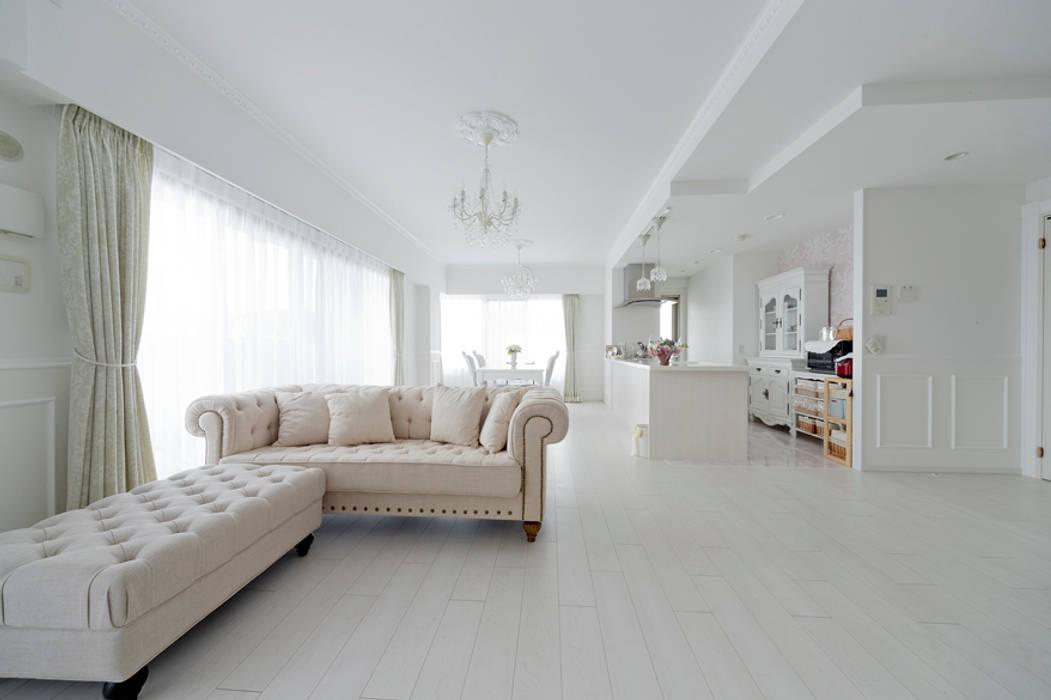 有限会社ミオ・デザイン Livings de estilo clásico
