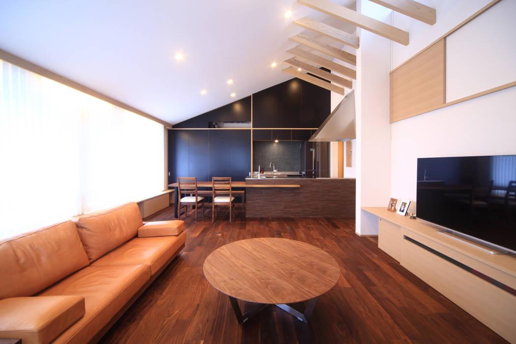 リビング~ダイニング~キッチン モダンデザインの リビング の MA設計室 モダン