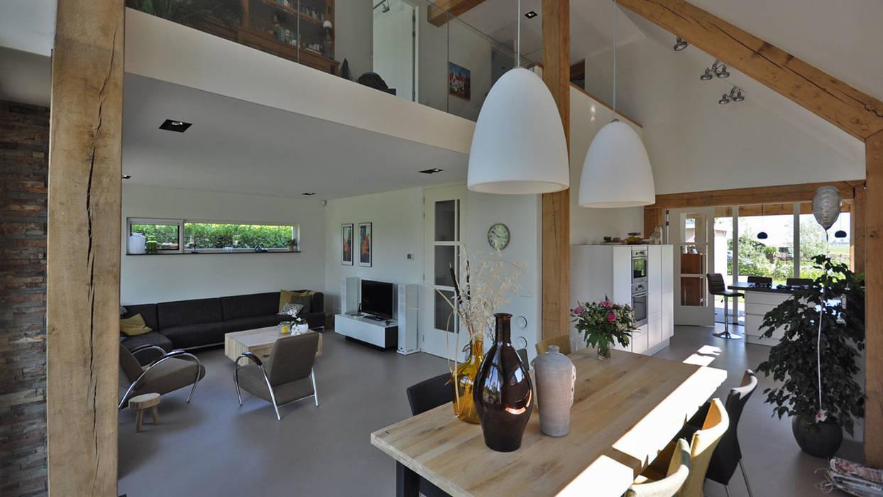Modern Living Room by Bongers Architecten Modern