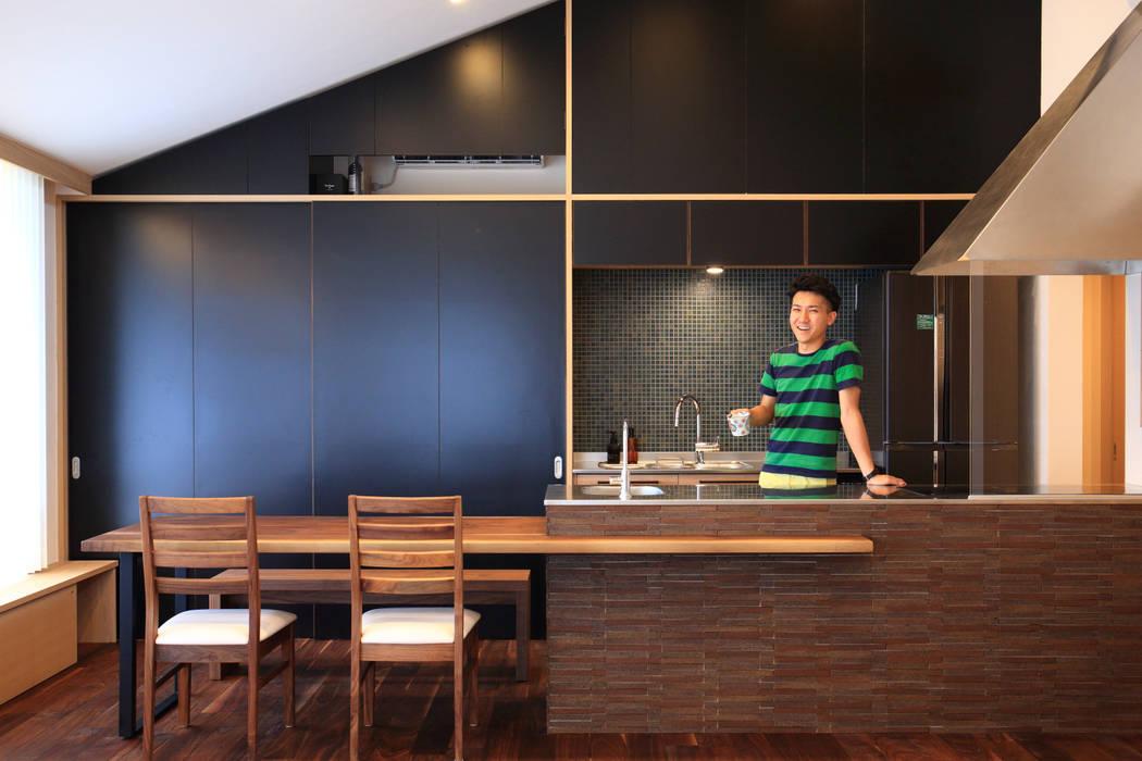 Cocinas de estilo ecléctico de MA設計室 Ecléctico