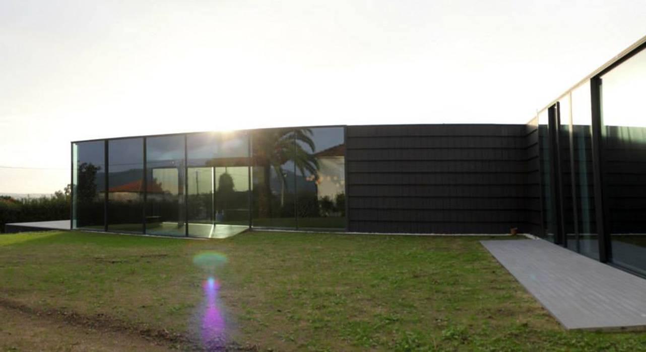 Quinta Barros, Vila Seca, Barcelos: Casas  por Alberto Craveiro, Arquitecto