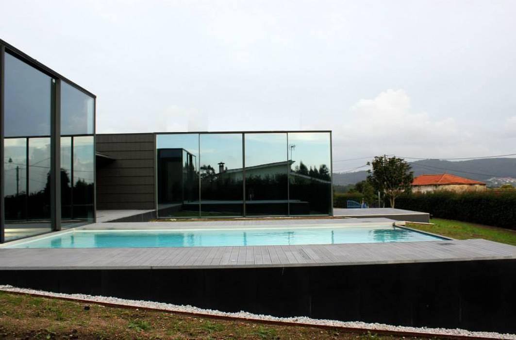 Quinta Barros, Vila Seca, Barcelos Casas modernas por Alberto Craveiro, Arquitecto Moderno