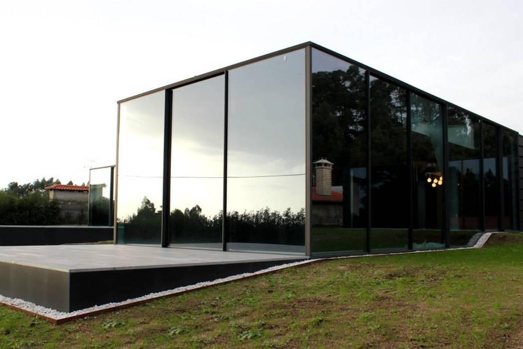 Quinta Barros, Vila Seca, Barcelos: Casas  por Alberto Craveiro, Arquitecto,