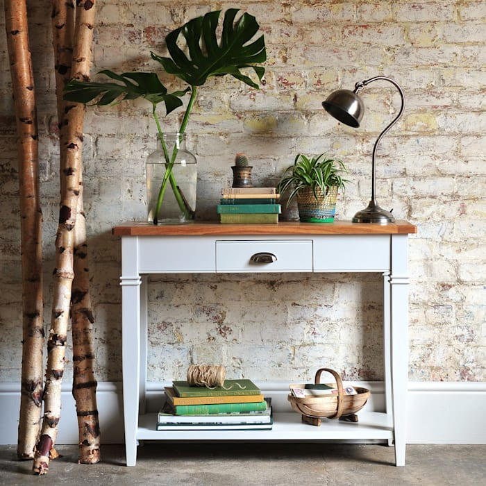 Boston Light Grey Console Table par The Cotswold Company Rural