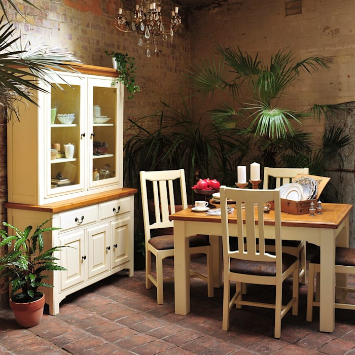 Westbury Painted 125cm-165cm Dining Set with 4 Chairs Salle à manger rurale par The Cotswold Company Rural