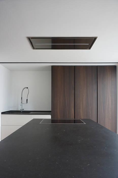 Cucina: Cucina in stile in stile Minimalista di Plus Concept Studio