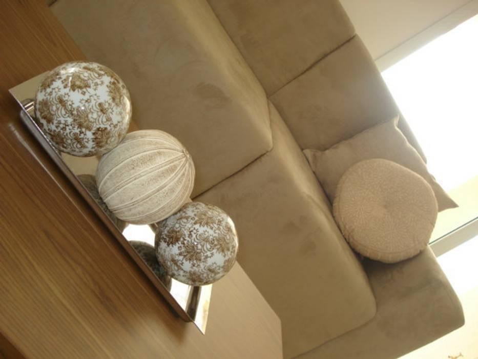 Implantação e Produção - Condomínio residencial Corredores, halls e escadas modernos por E|F DESIGN.INTERIORES.PAISAGISMO Moderno