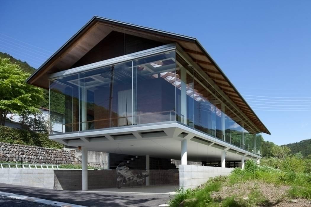 ハイブリッド・ハウス インダストリアルな 家 の H2O設計室 ( H2O Architectural design office ) インダストリアル