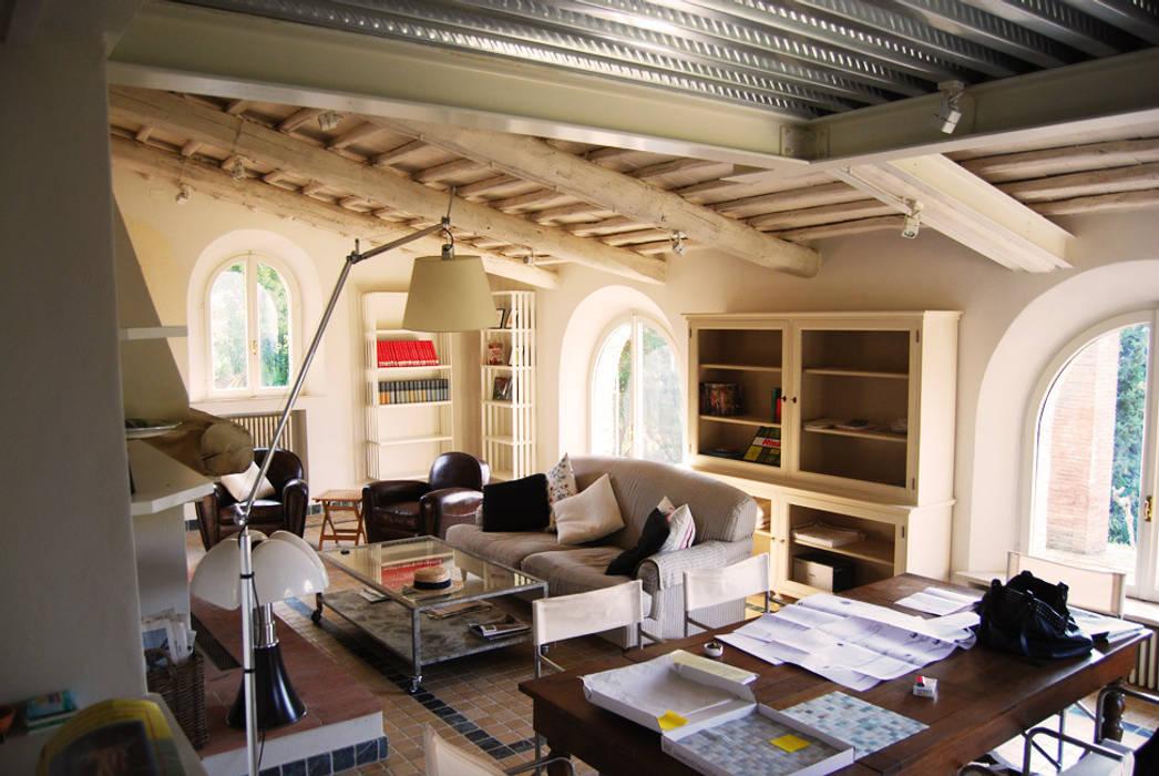 Projekty,  Salon zaprojektowane przez ARCHITETTO MARIANTONIETTA CANEPA