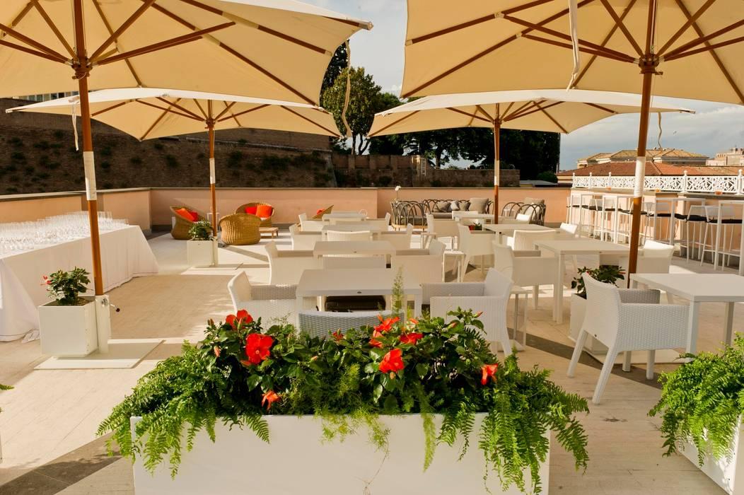 Terrazza Gran Melia - 2013: Terrazza in stile  di studiomartino.5