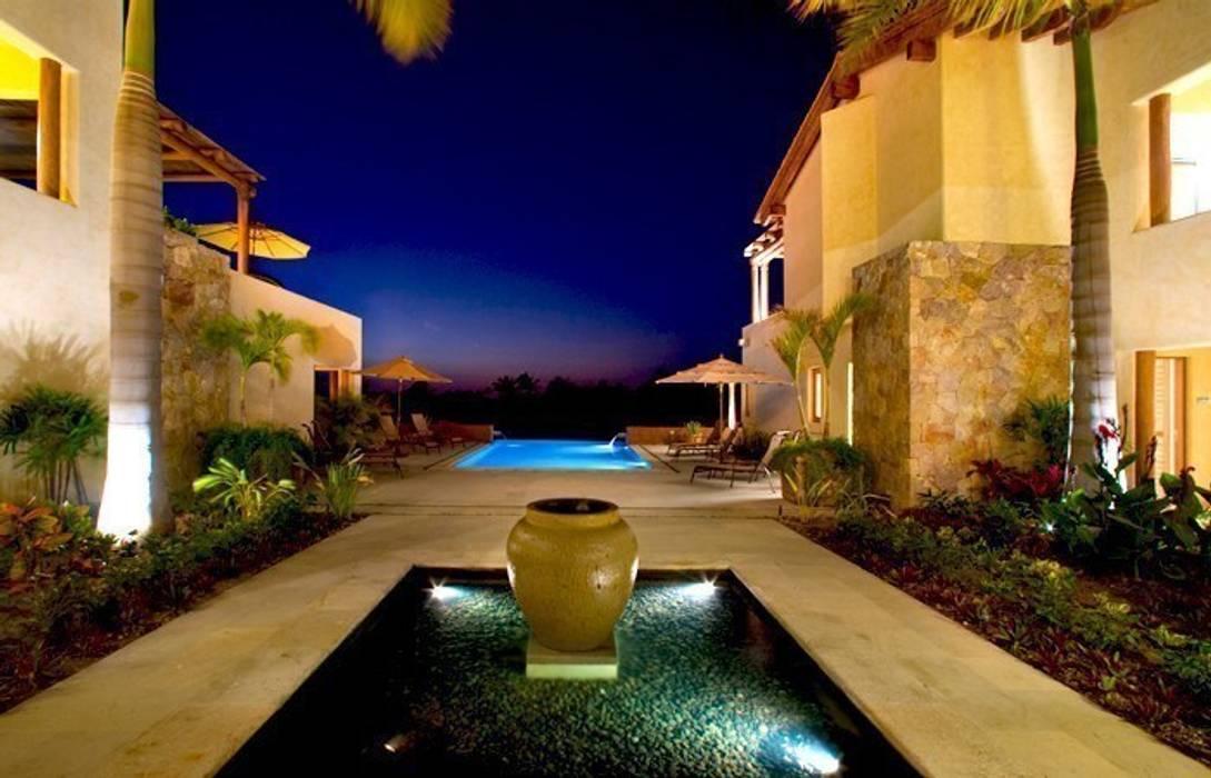 Casa Cariza Albercas tropicales de BR ARQUITECTOS Tropical