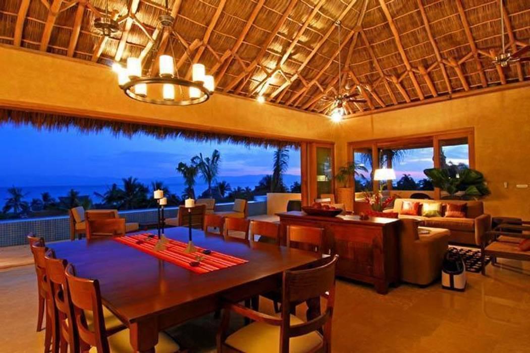 Casa Cariza: Comedores de estilo  por BR  ARQUITECTOS, Tropical