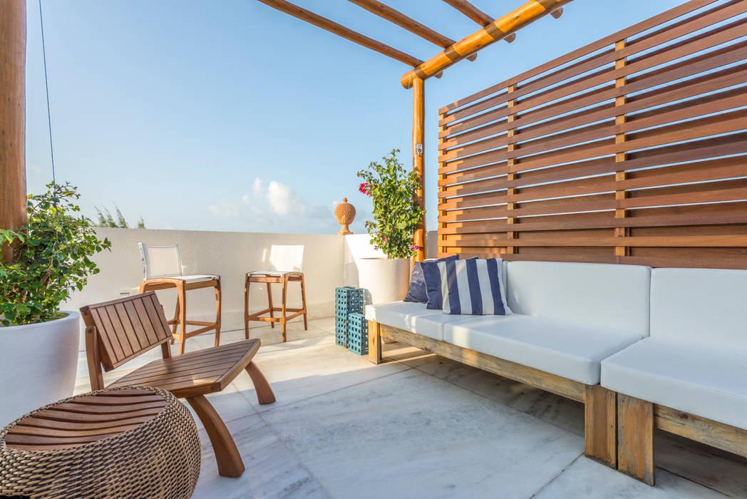 homify Tropical style balcony, veranda & terrace