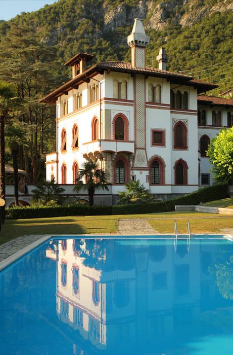 la villa: Giardino in stile in stile Classico di isabella maruti architetto