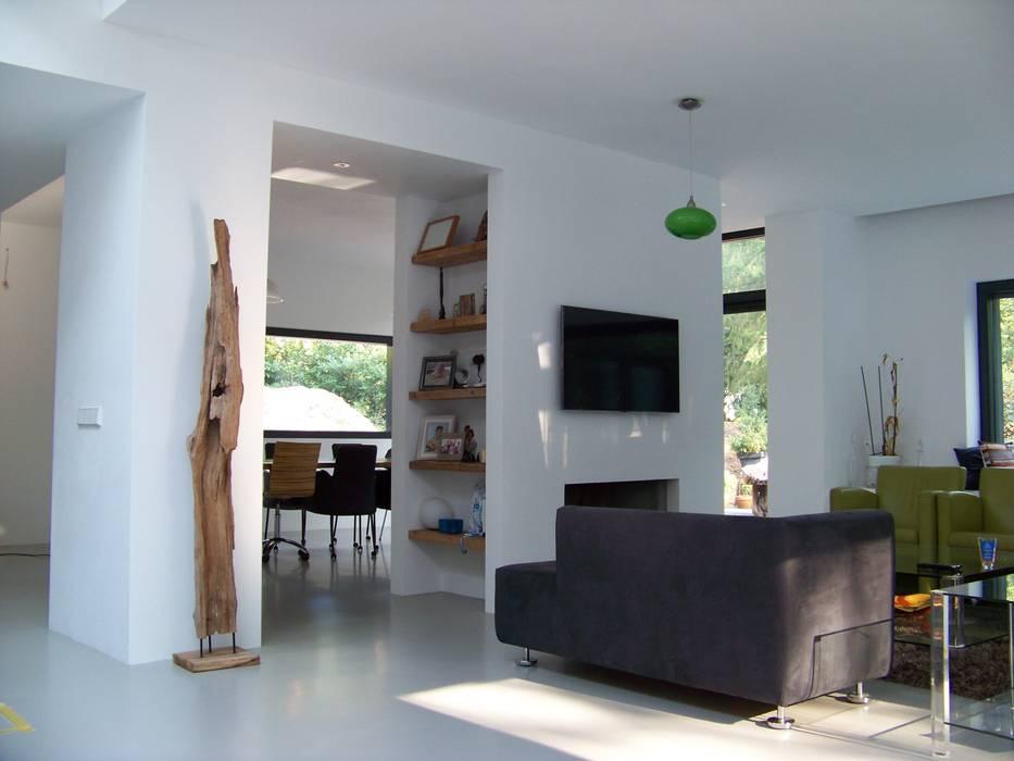Bosvilla soest moderne woonkamer door bureau mt homify