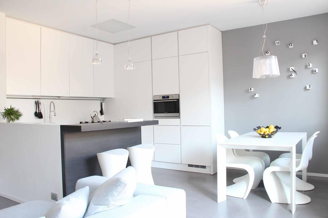 zona giorno Cucina minimalista di Elisa Rizzi architetto Minimalista