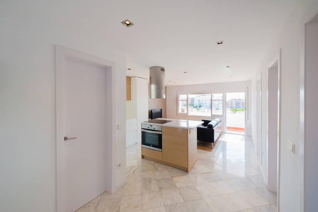 Wohnzimmer von LF24 Arquitectura Interiorismo
