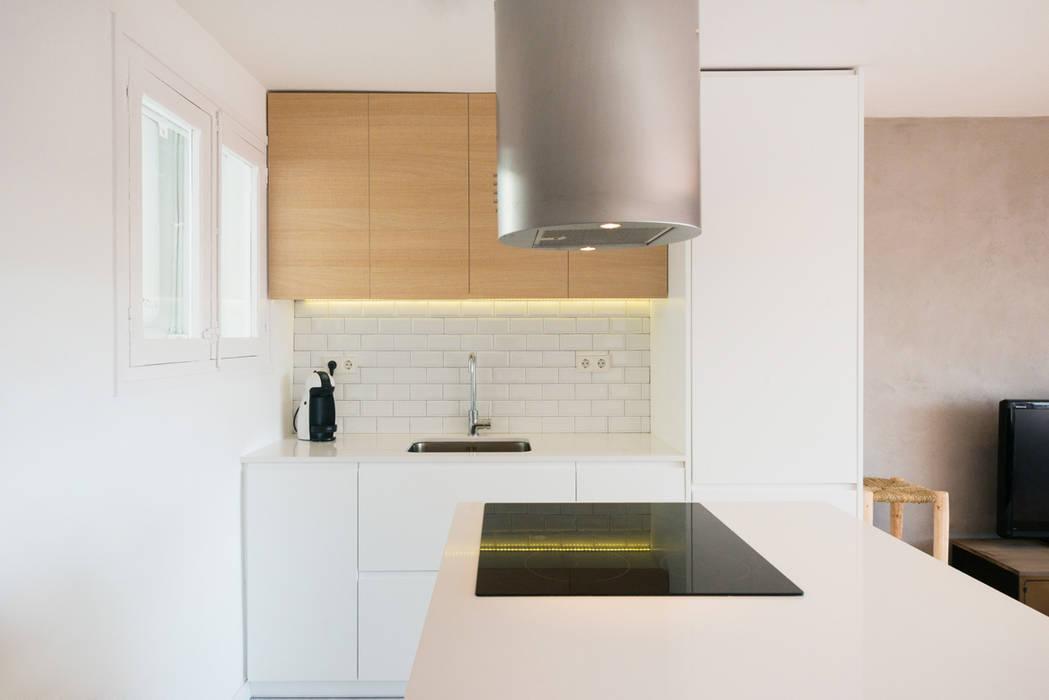 Küche von LF24 Arquitectura Interiorismo, Modern