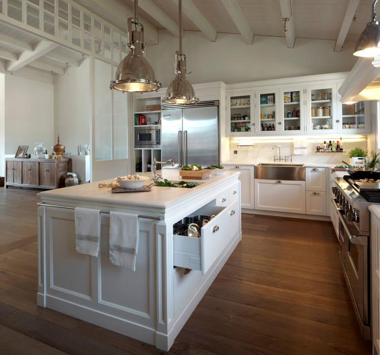 Modern Kitchen by DEULONDER arquitectura domestica Modern