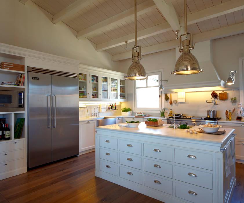 Cocinas de estilo moderno de DEULONDER arquitectura domestica Moderno