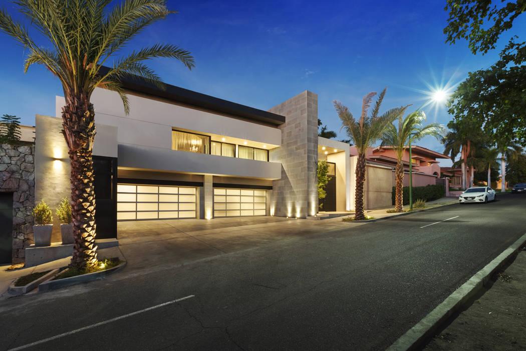 Fachada Principal Casas modernas de Juan Luis Fernández Arquitecto Moderno