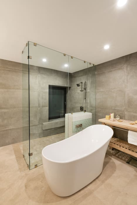 Bathroom by Juan Luis Fernández Arquitecto, Modern