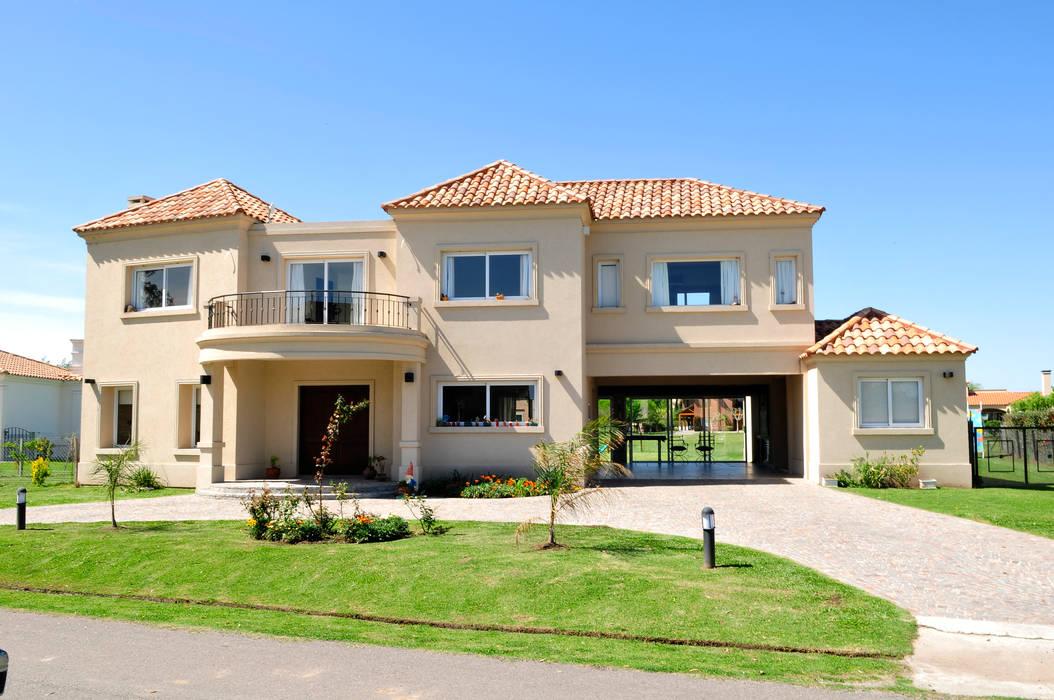 Fachada casas de estilo por opra nova arquitectos for Fachadas de casas estilo clasico