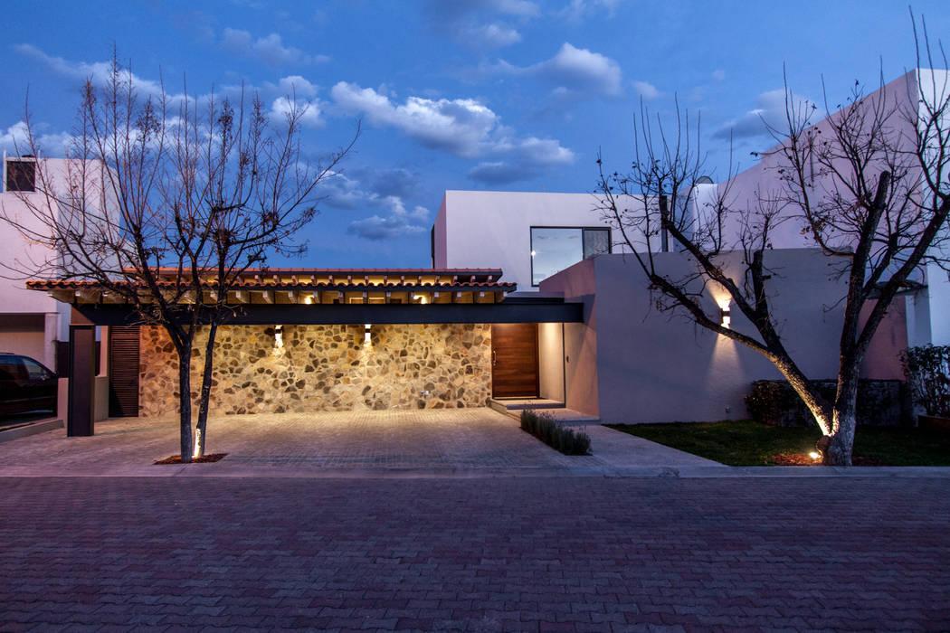 Casas modernas de Cambio De Plano Moderno