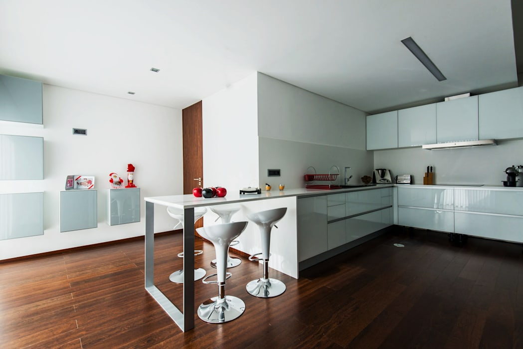 Casa Mar - Avanca Cozinhas modernas por a3mais Moderno