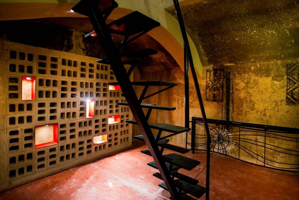 Cava en Sotano: Cavas de estilo  por Taller Estilo Arquitectura