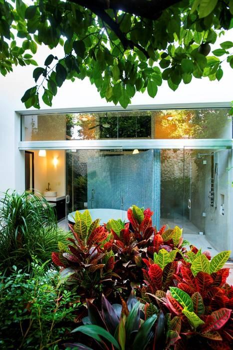 Baño - Patio Amarillo Taller Estilo Arquitectura Baños modernos