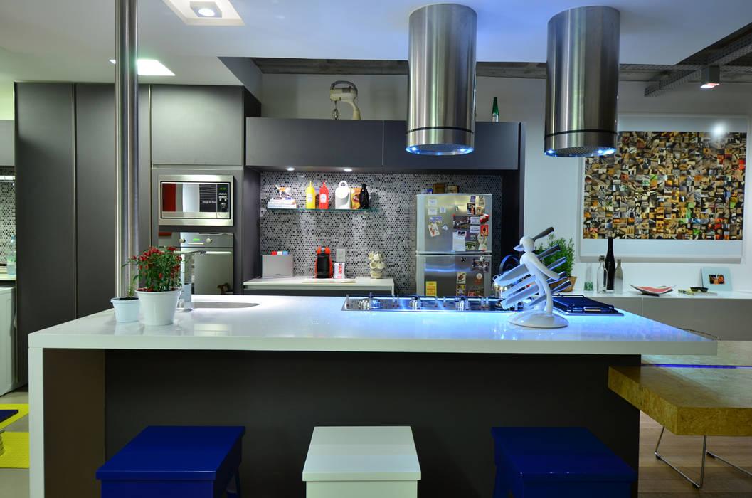 Cocinas de estilo  de HECHER YLLANA ARQUITETOS, Industrial