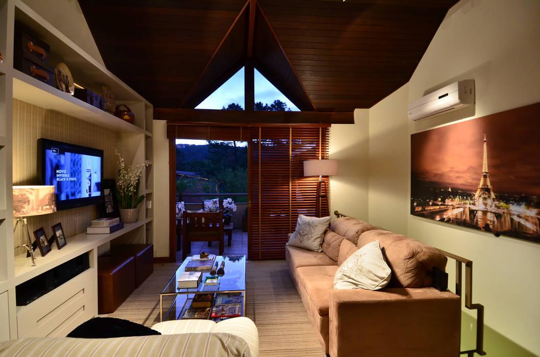 Rustic style living room by Stúdio Márcio Verza Rustic